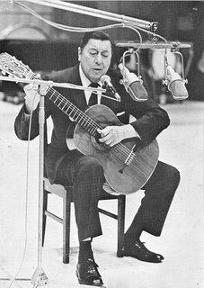 Yupanqui y su guitarra