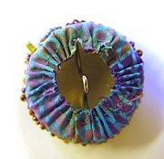 how to make beaded buttons by Robin Atkins, bead artist