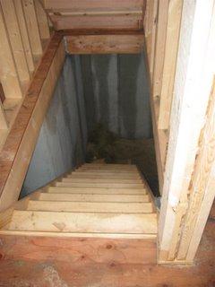 Construccion de la nueva casa february 2006 - Escaleras para sotanos ...