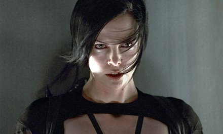 Charlize Theron Aeon Flux Hairstyle Back Hair-pic3929