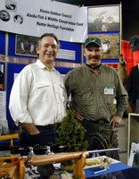 AOC executive director Rod Arno (l.) and AOC member Terry Boyles at the AOC booth at the show