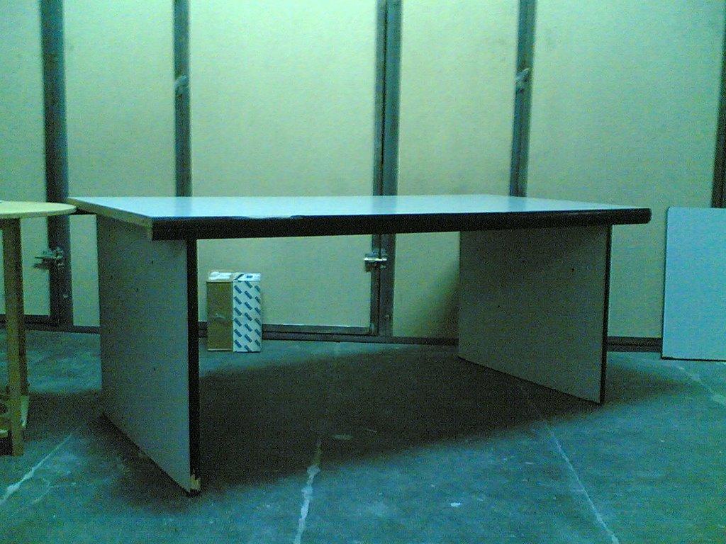 Muebles de segunda mano mesa de oficina por solo 24 - Muebles oficina segunda mano valencia ...