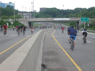 DVP Southbound approaching Lawrence