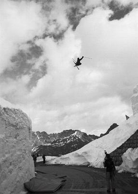 John Dougall photographs high fliers at La Grave, France