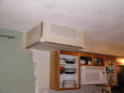10k kitchen remodel review 14 soffit above the kitchen for Bulkhead over kitchen cabinets