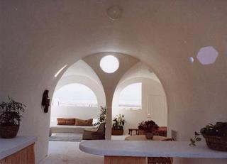 Interior image of Superadobe home from www.cal-earth.org website