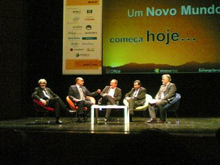 Debate com Alexandre Rosa (IEFP), Carlos Lourenço (MAI), Carneiro Jacinto (moderador), Manuel Teixeira (IGIF) e João Correia de Freitas (CRIE)