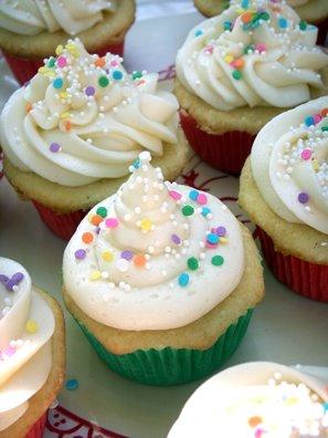 52 Cupcakes and Layla: Billy\'s Vanilla, Vanilla Cupcakes with ...
