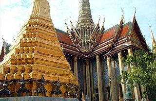 Two Golden Phra Chedis, Wat Phra Kaew