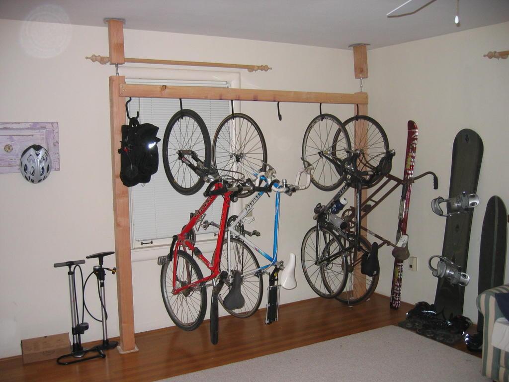 outside garage wall ideas - Caution to the Wind Multi Bike pression Super Rack
