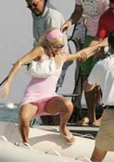 Um ar da sua 'GRAÇA' ao sair do barco