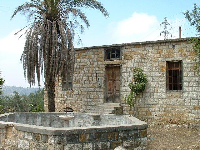 Voyage au liban la montagne libanaise rechmaya for Maison prefabriquee liban