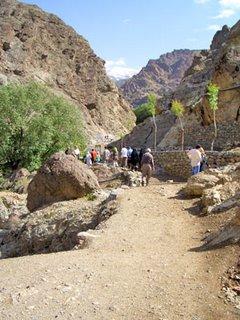 mountain path at Darakeh