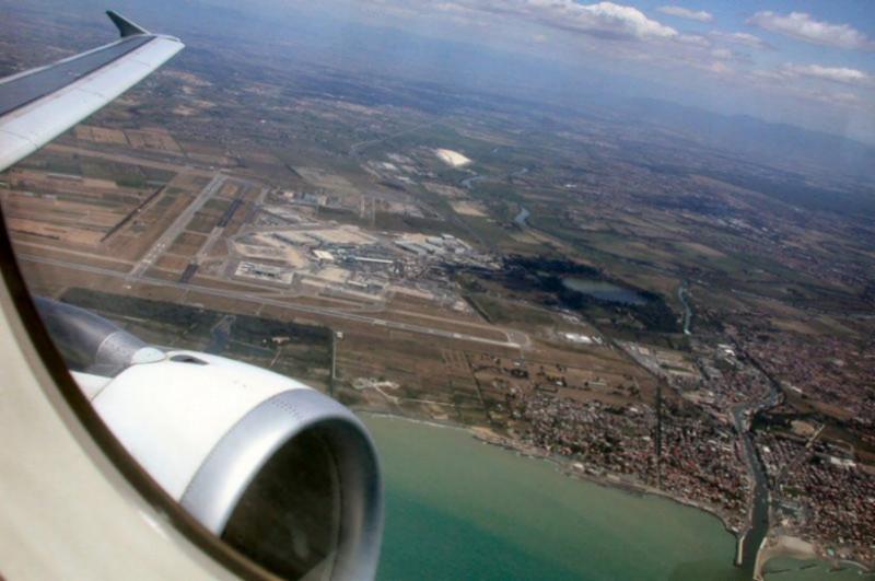 Aeroporto Italia : Emanuele olinalda aeroporto intercontinentale