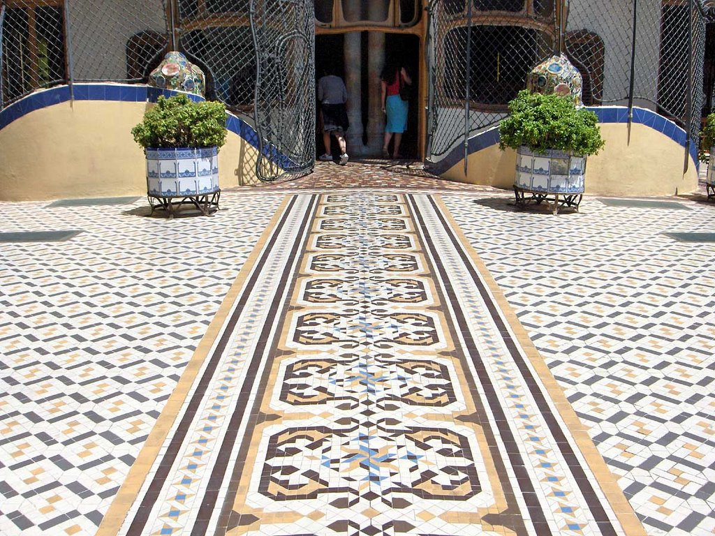 Mosaic photos from europe and north america click the for Terrace tiles