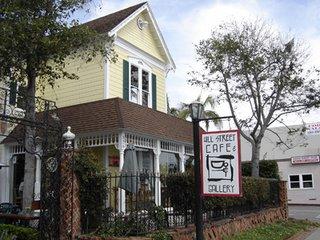 Hill Street Café