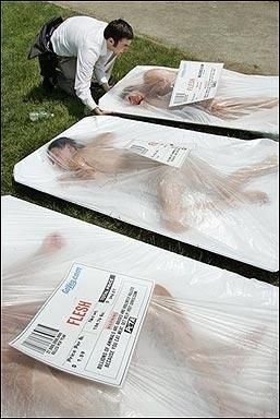 Wege akcje PETY - 'Ludzkie mięso'