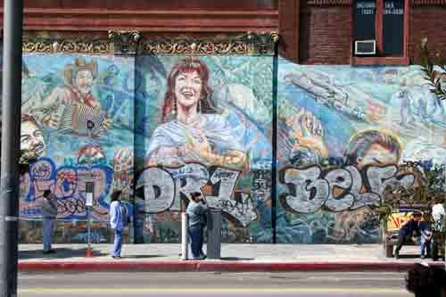 La bloga march 2006 for Cesar chavez mural