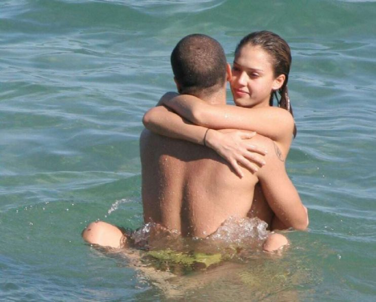 Jessica alba sex in beach