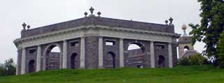 Dashwood Mausoleum & St Lawrence Church