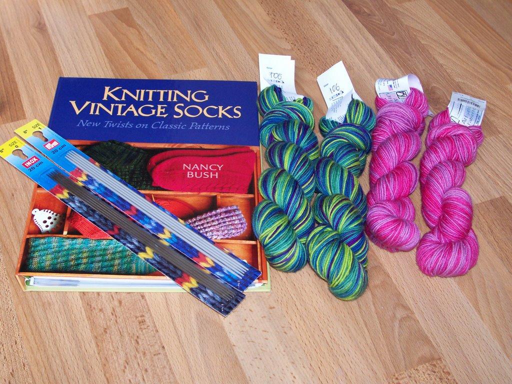 Knitting Vintage Socks Nancy Bush : Sneaksleep march