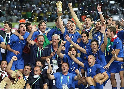 Italy celebrate holding the World Cup Trophy