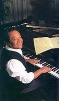 foto de Armando Manzanero tocando el piano