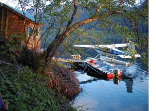 Float plane at the dock