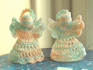 Thread crochet angels