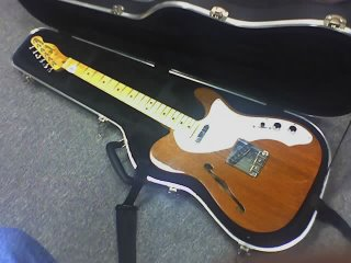 Fender '69 Telecaster Thinline reissue with Fender 'Noiseless' Tele pickups