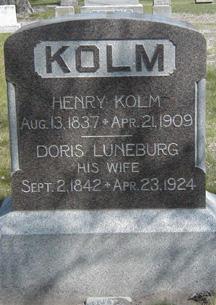 Herny & Doris Kolm grave
