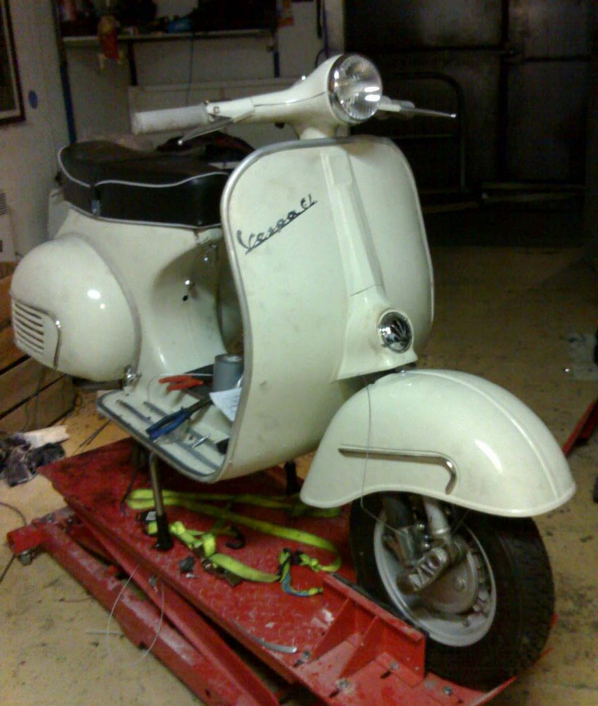 Dirty Scooters Lambretta Li 150 Series 2 Restore And 64 Gl Malossi 221 Vespa Wiring Diagram Switched To A Better Headspace