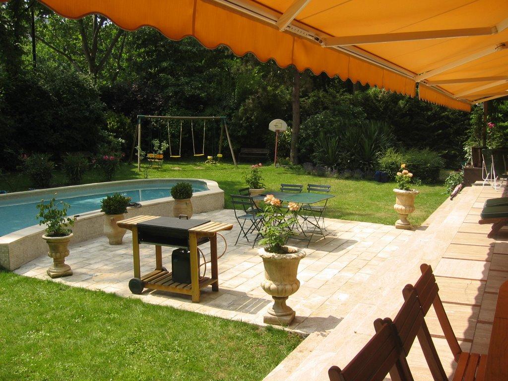 amenagement d 39 exterieur jardinier paysagiste corse paca paris autour de la piscine. Black Bedroom Furniture Sets. Home Design Ideas