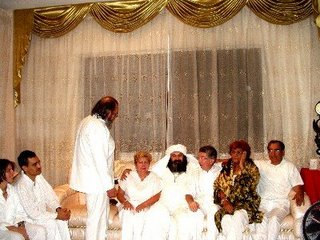 El Guru Ji momentos antes de la recepcion de su manto en Guayaquil, Ecuador.