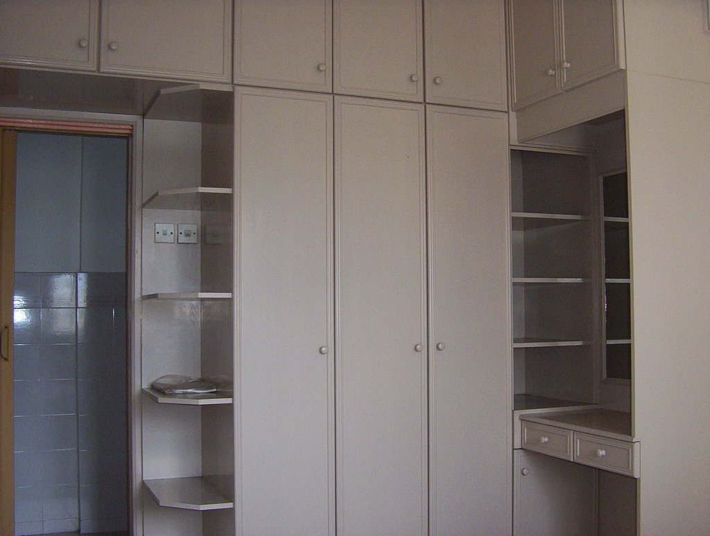 this photo shows the right side of the wardrobe with dressing table