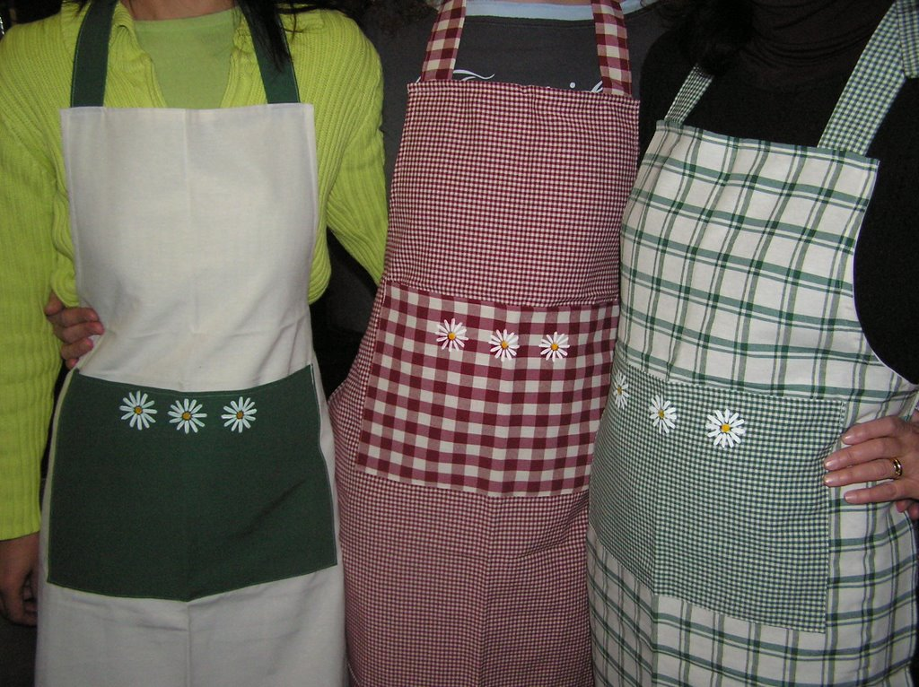 Fux tutto fatto a mano novembre 2006 - Grembiuli da cucina ...