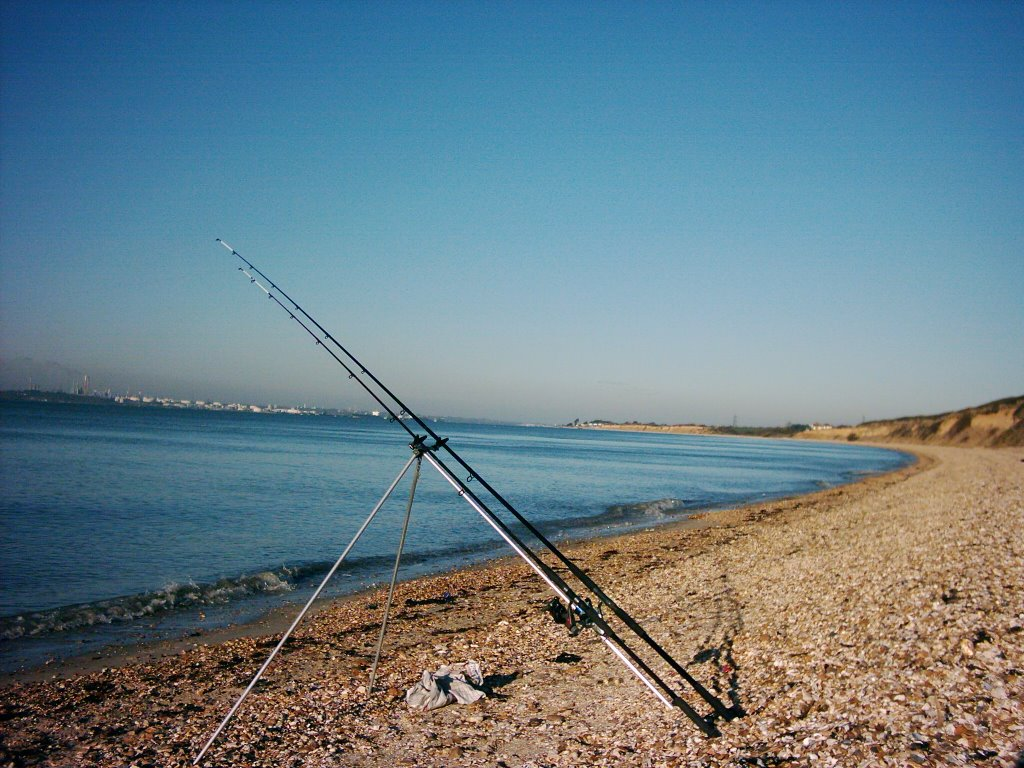 Along my shore fishing gosport to hillhead beaches may 2007 for How to fish from the beach