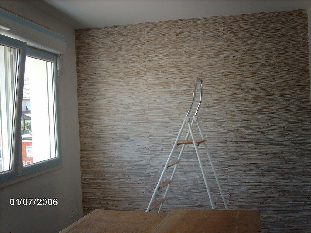 La maison de nath et manu week end papier peint par alternance - Papier peint paille japonaise ...