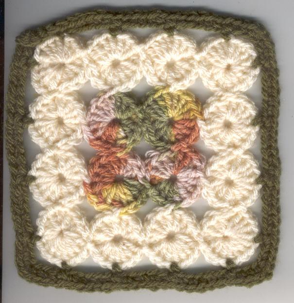 Free Crochet Granny Square Motifs : Undisthreadness: 16-Circles Square