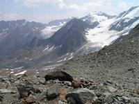 Descente dans le Taschachtal. Le grand sommet est la Wildspitze, 3768 mètres