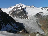Wildspitze, 3768 mètres. En bas à droite, le refuge Braunschweiger Haus