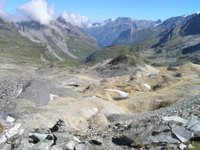 Depuis le col de Chavière, direction Pralognan. Au fond la chaîne du Mont Blanc