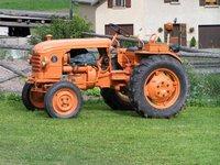 Tracteur de collection, modèle Renault D16