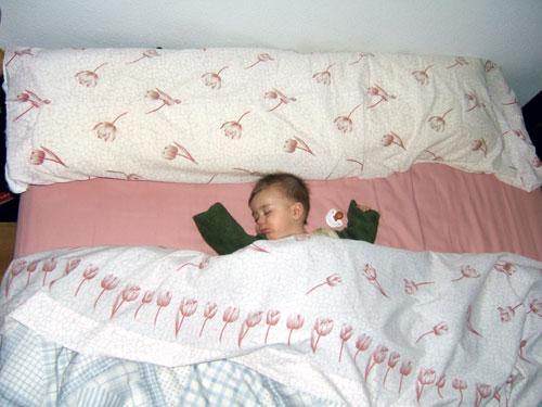 Alex y daniel gonzalo aventuras de dos beb s qu cama for Cual es la cama mas grande