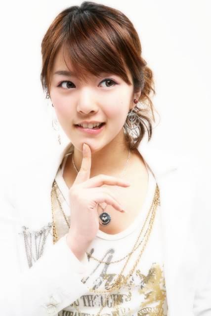http://photos1.blogger.com/blogger/3803/742/1600/Bae%20Seul%20Gi.0.jpg