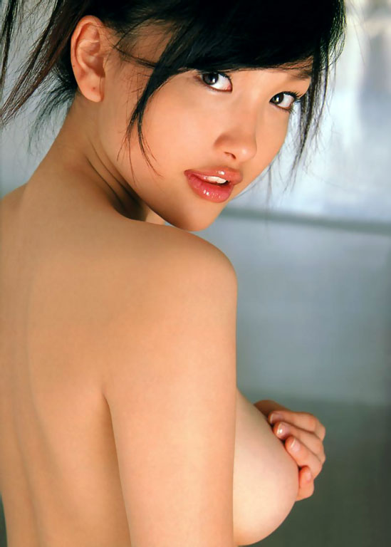 http://photos1.blogger.com/blogger/3803/742/1600/Reon%20Kadena7.jpg
