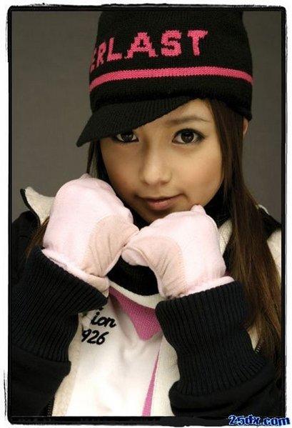 http://photos1.blogger.com/blogger/3803/742/1600/ayumi.1.jpg