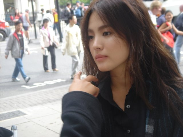 http://photos1.blogger.com/blogger/3803/742/1600/hyekyo27pk.jpg