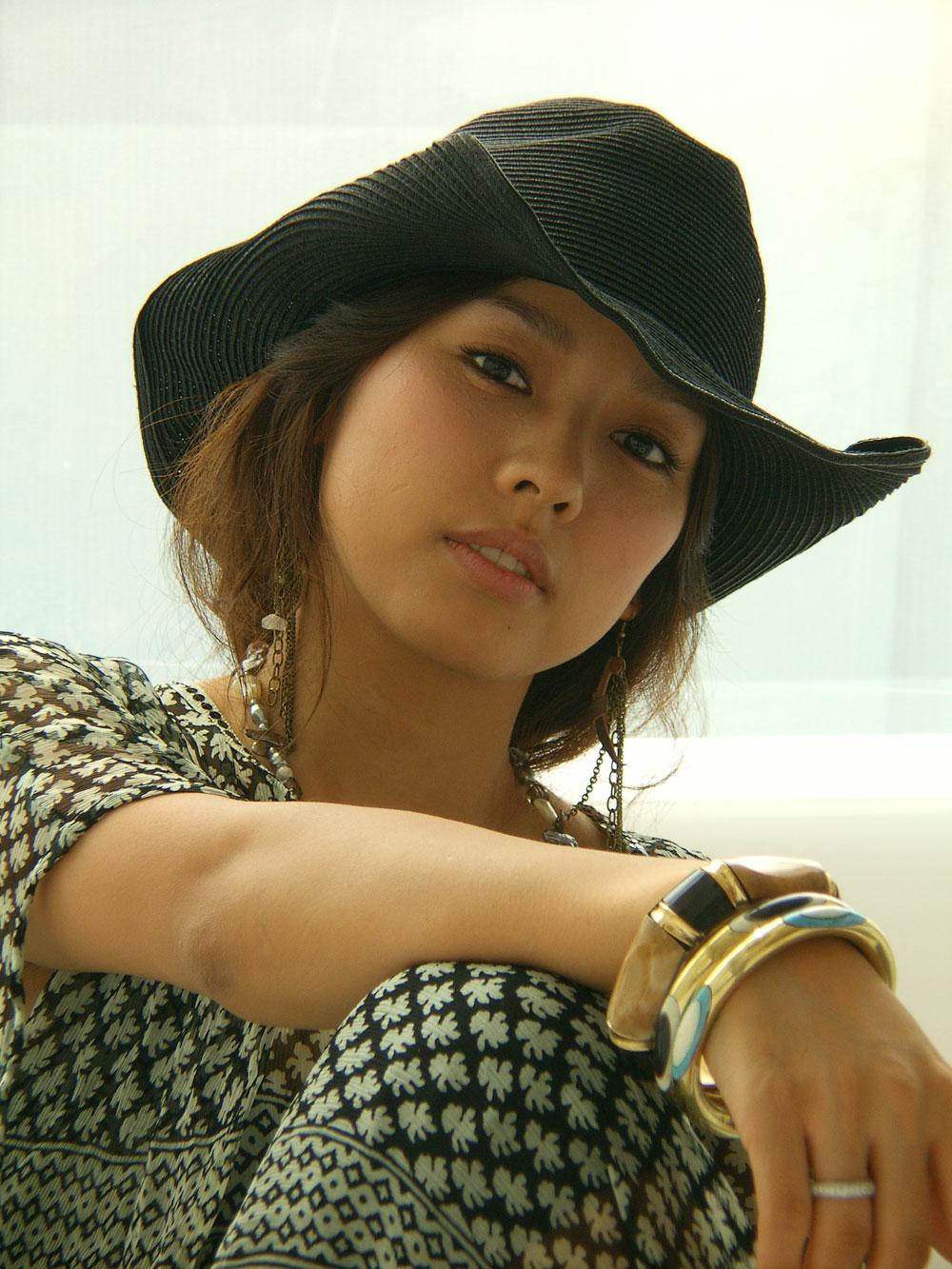 http://photos1.blogger.com/blogger/3803/742/1600/hyorigallery0_b_11.jpg