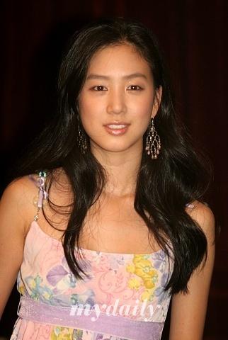 http://photos1.blogger.com/blogger/3803/742/1600/jeongryuwon6.jpg